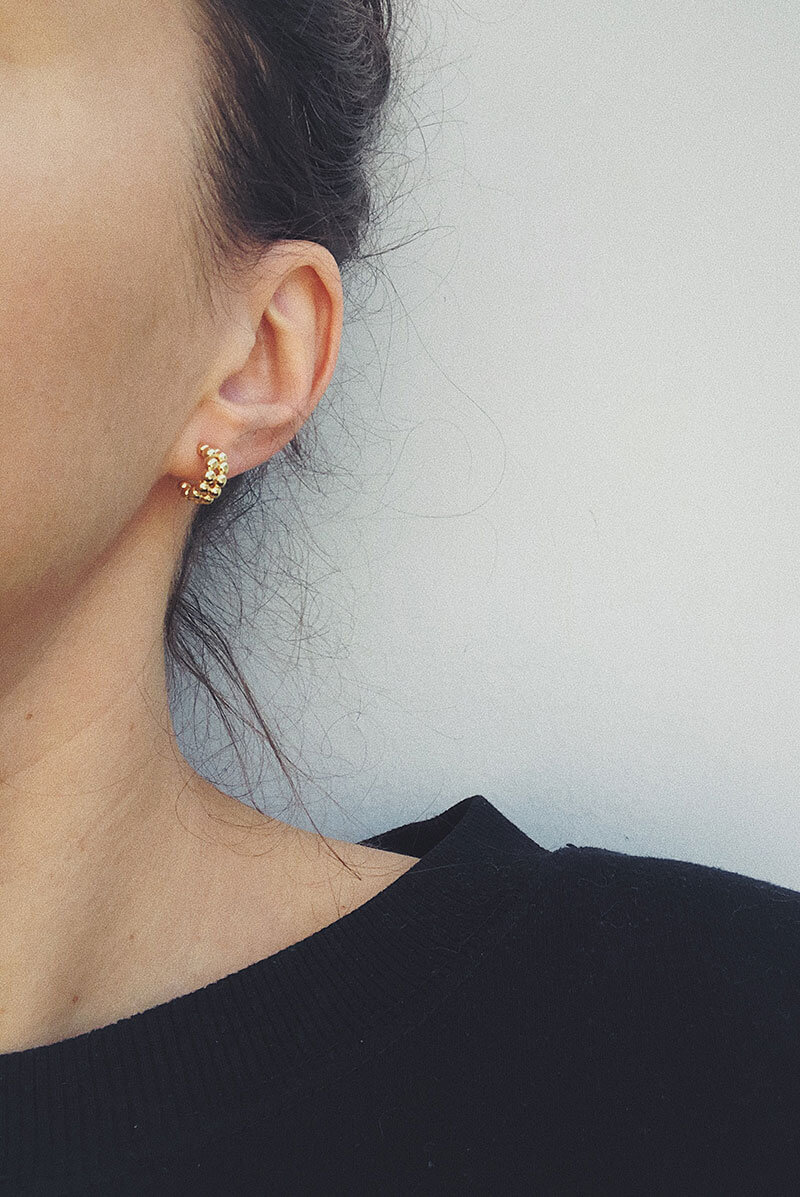 Chunky small hoop earrings gold color