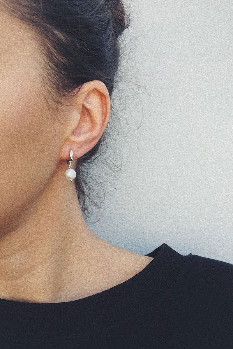 Pearls drop earrings